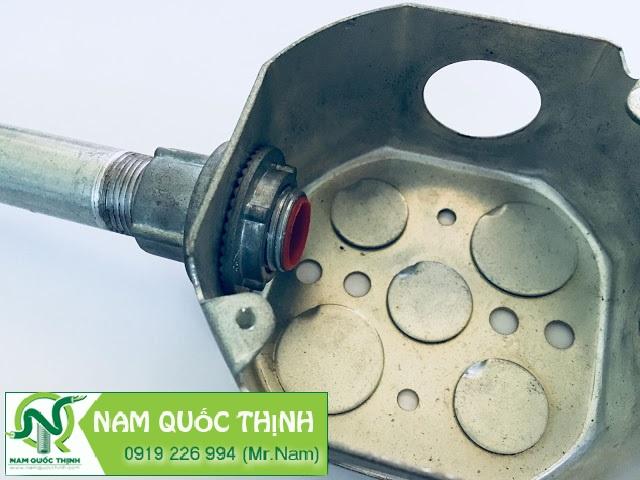 Đầu nối ống thép RSC vào box