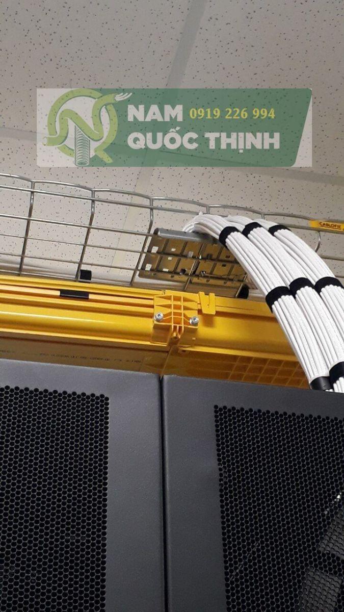 Máng cáp dạng lưới inox 304 đi dây cáp điện trên xuống tủ Rack