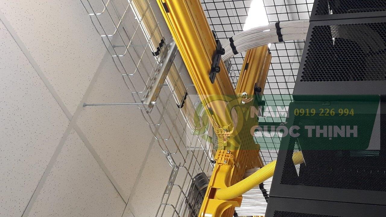 Hệ thống máng cáp dạng lưới inox 304 đi dây mạng trung tâm