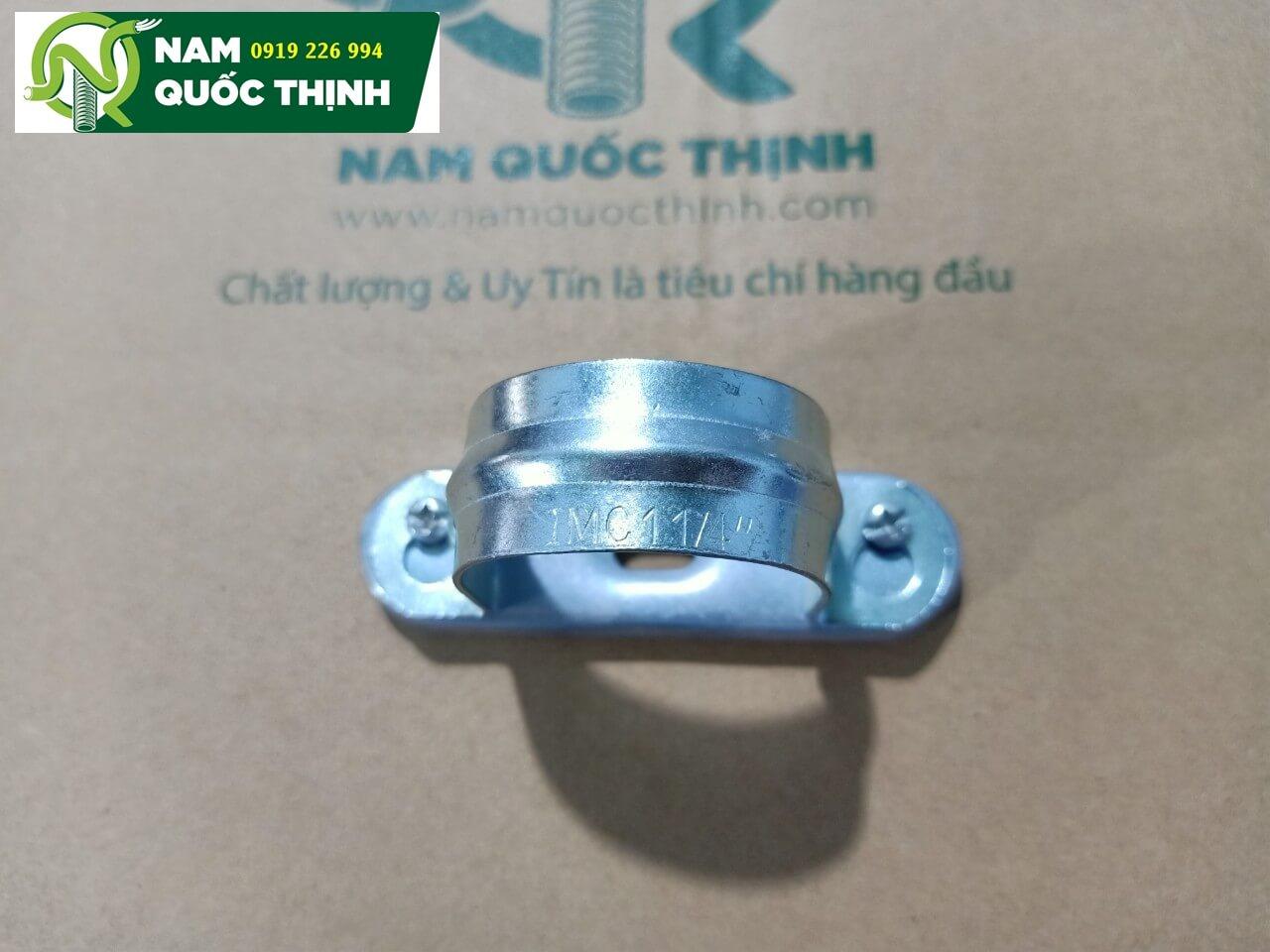 Kẹp ống có đế ống thép luồn dây điện ren IMC d42