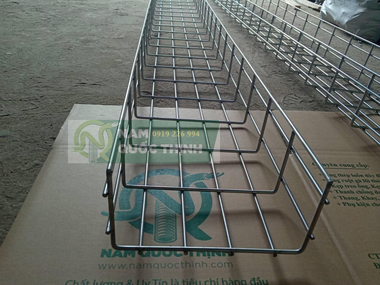 Máng lưới inox 304 200x100 mm