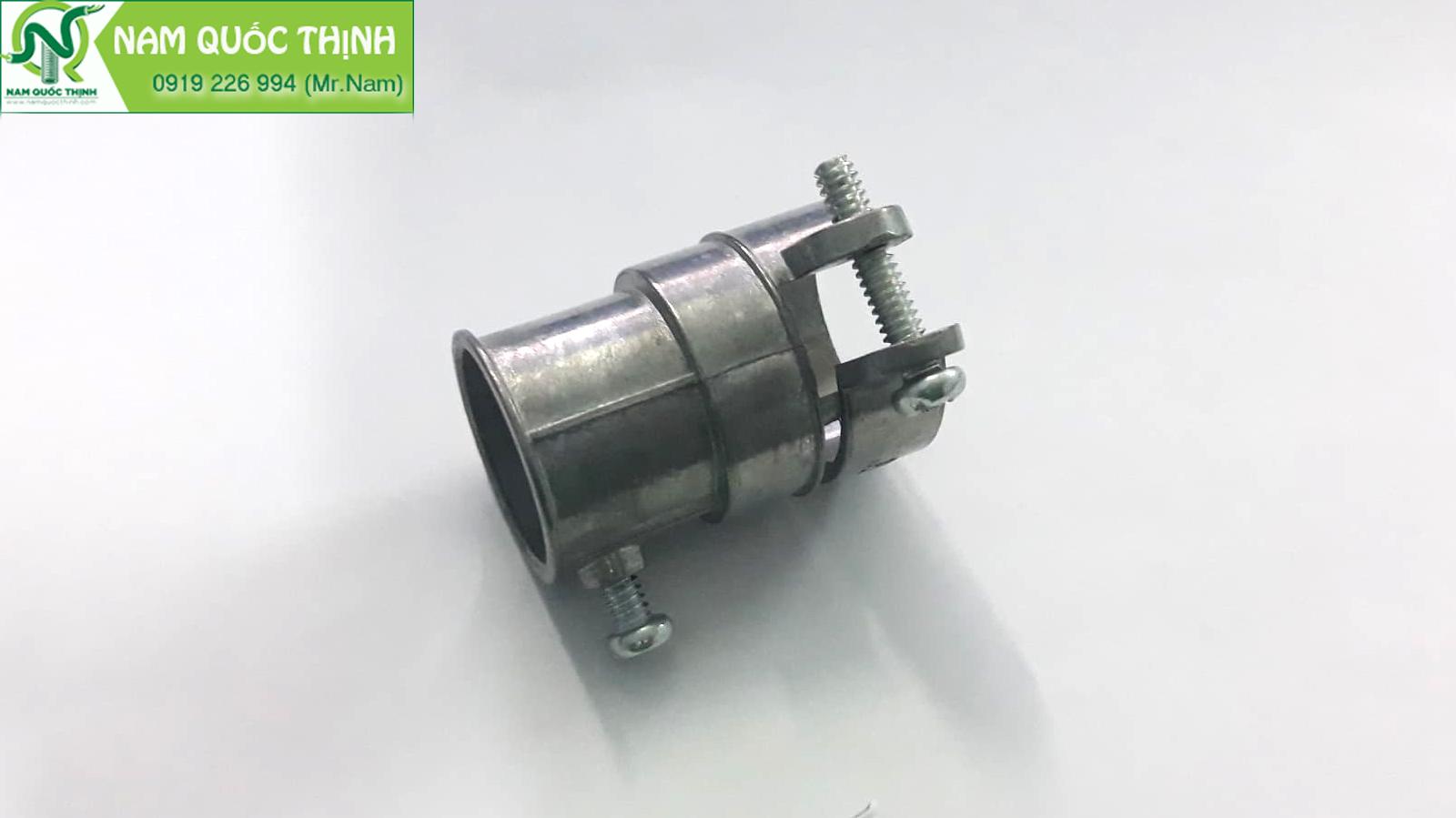 Đầu nối ruột gà thép với ống thép luồn dây điện trơn emt