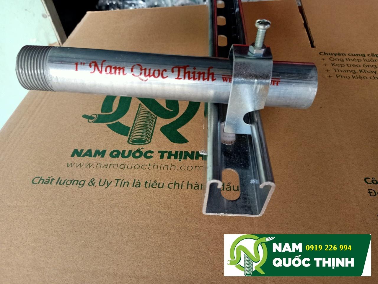 Kẹp treo thanh Unistrut và ống thép luồn dây điện D60