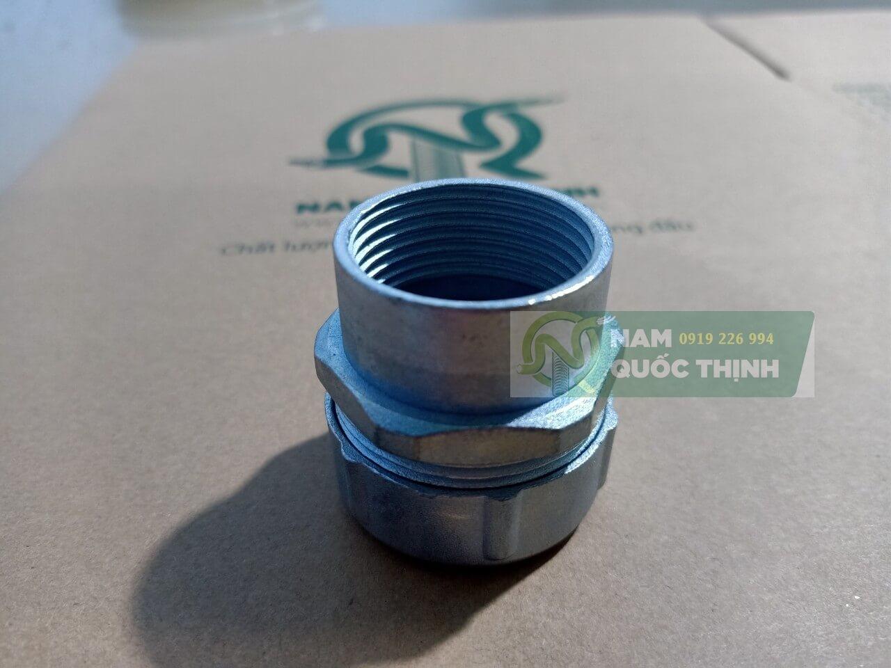 Đầu nối ống thép imc với ống ruột gà lõi thép bọc nhựa phi 25