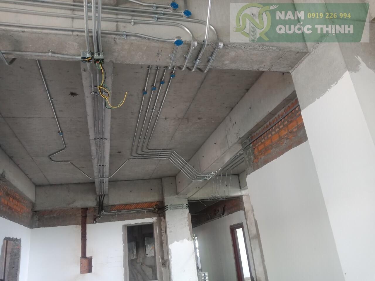 Hệ thống ống thép luồn dây điện emt phi 32 nam quốc thịnh