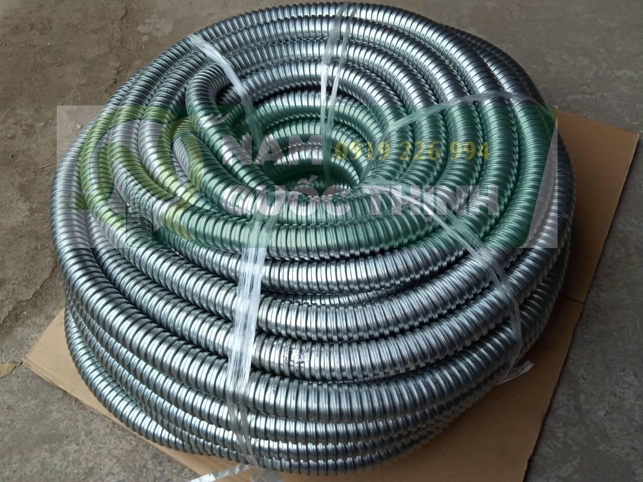 Ống ruột gà thép được đóng thành 50m 1 cuộn