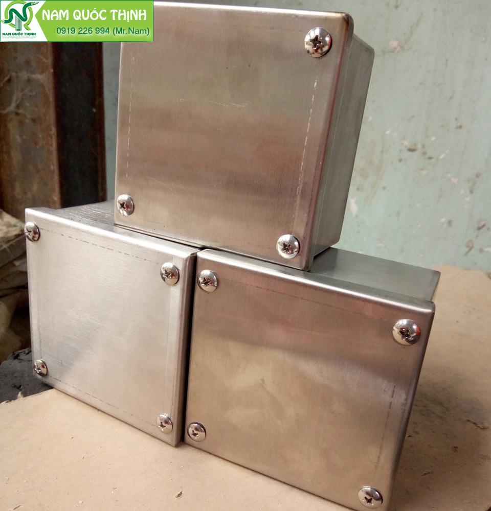 Hộp Pullbox inox 304 150x150x100 mm